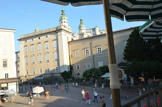 Salzburger Altstadt: Outside Cafe Tomaselli