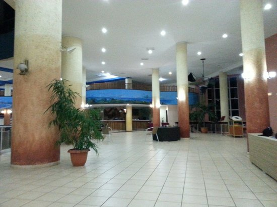 Brisas del Caribe Hotel: Entrada