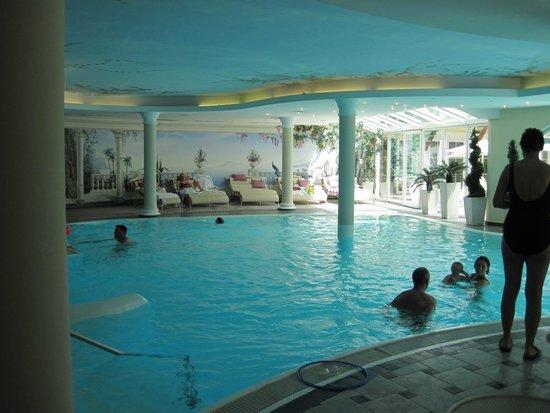 Leading Family Hotel & Resort Alpenrose: piscine intérieure