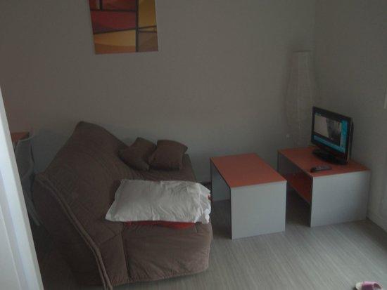 Résidence Le Citylodge du Campus : canapé lit