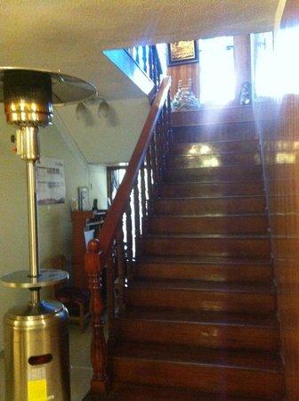 Hotel Balsa: лестница на второй этаж