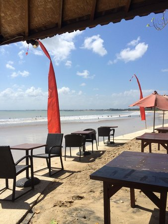 Jimbaran Beach Club (JBC): View of the beach towards the airport