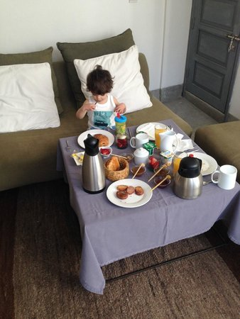 Riad Awa: Breakfast on the first floor area