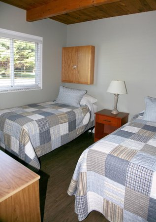 Atlantica Oak Island Resort & Conference Centre : Chalet - Two twin beds