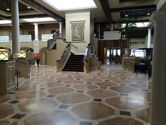 The King and Prince Beach and Golf Resort : The King and Prince Beach Resort Lobby