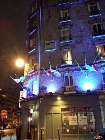 Arty Paris : fachada do hostel