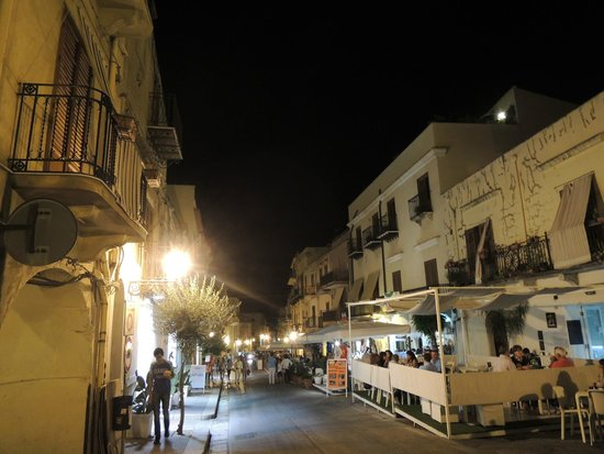 Hotel Cala Marina: night in castellammare