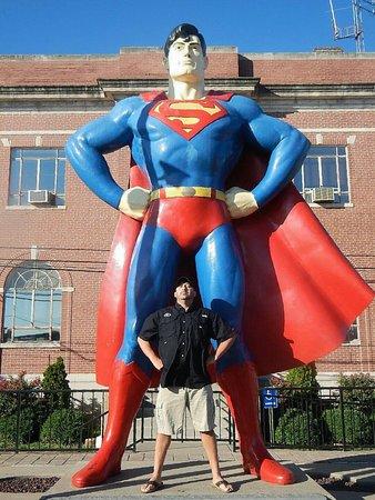Superman Statue: Man of steel Superman....