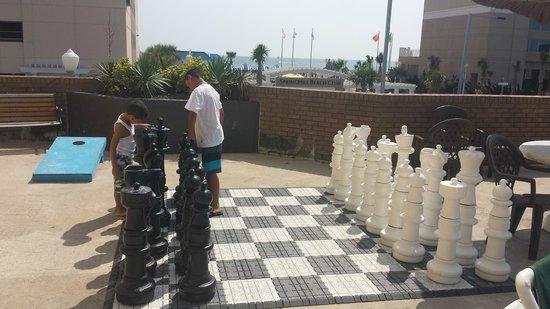 Days Inn Virginia Beach at the Beach : Giant Chess Board
