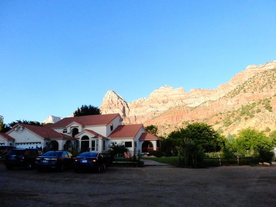 Zion Canyon Bed and Breakfast : B&B