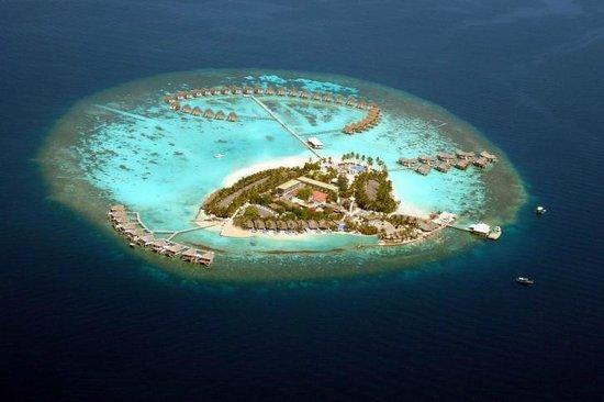 Centara Grand Island Resort & Spa Maldives: View from the water plane