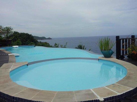 Aminjirah Resort: lovely pool