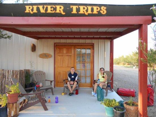 Far Flung Outdoor Center : Comfortable waiting area