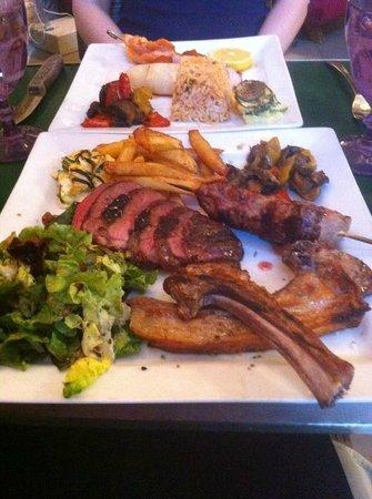 Restaurant La Mangeoire : Essen direkt vom Holzofengrill