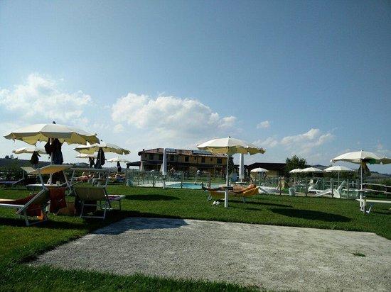 Pianoro, Italien: La piscina