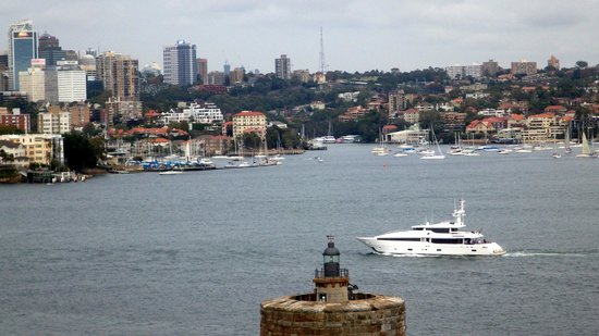 The Australian Heritage Hotel: The hotel & bar are very close to this area of the water in Sydney, fun area the entire historic