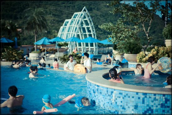 Auberge Discovery Bay Hong Kong: Outdoor swimming pool