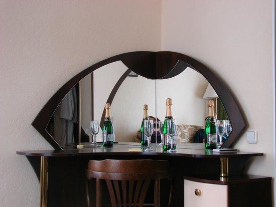 Volkhov Hotel: la bouteille de champagne qui nous attendait