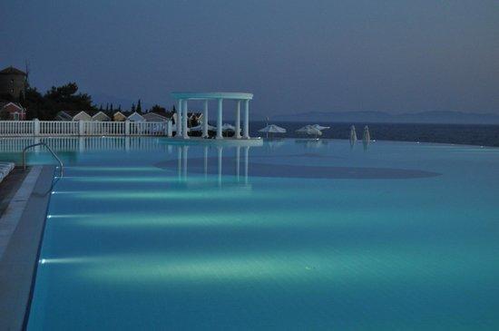 Club Marvy: piscine panoramique