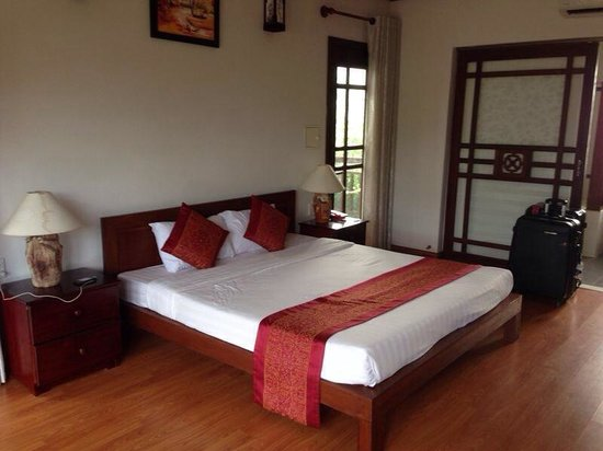 Hoi An Riverside Bamboo Resort : Chambre