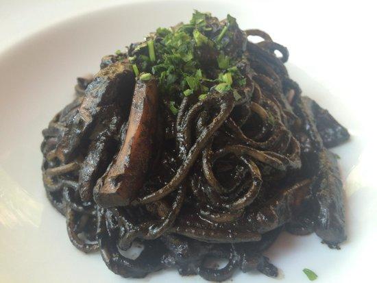Xemei : Spaguetii con Sepia y su tinta