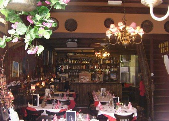 Oud Holland: Main Area And Bar