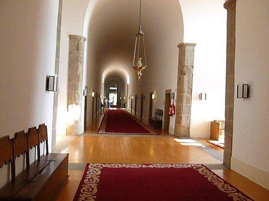 Pousada Mosteiro Guimarães: corridoi camere