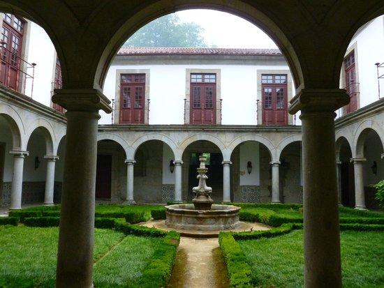 Pousada Mosteiro Guimarães: chiostra interna