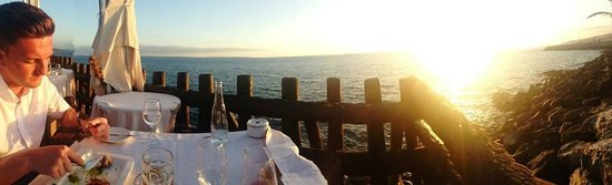 Las Rocas: Dinner with a stunning view