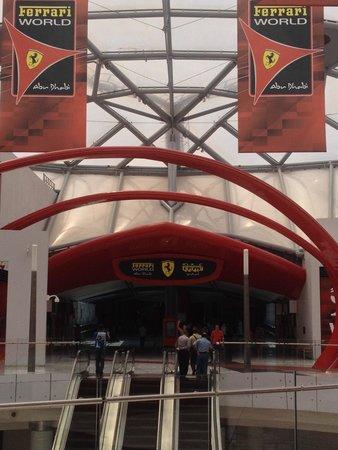 Yas Links Abu Dhabi : Entrance