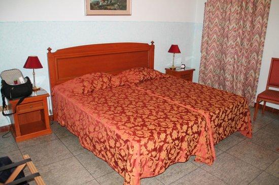 B&B Hotel Trieste: Letto matrimoniale