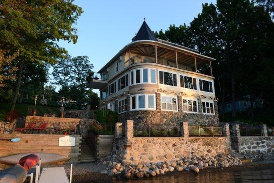 Steamboat Castle Bed & Breakfast : Steamboat Castle at sunrise