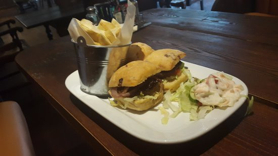 The Grand Hotel Swansea: bite to eat in hotel sports bar