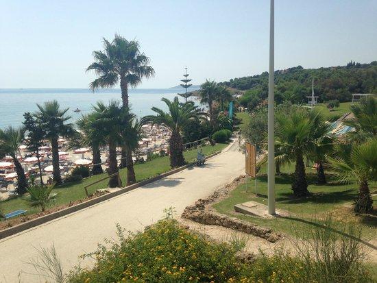 Club Alicudi Hotel : Vue de la plage