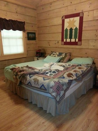 Laurel Mountain Cabins : Second Bedroom