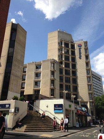 Travelodge London Covent Garden: Fachada de um dos edifícios