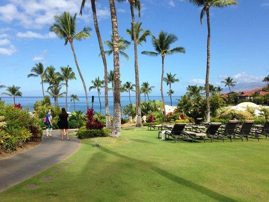 Fairmont Kea Lani, Maui: grounds