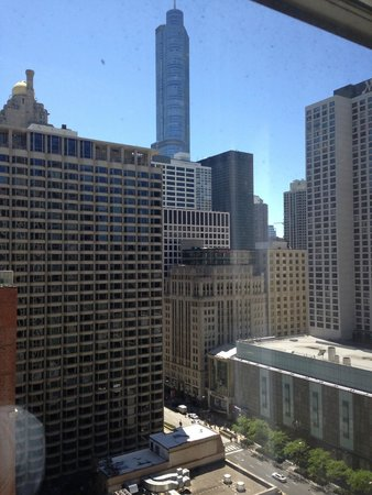 Courtyard by Marriott Chicago Downtown/Magnificent Mile: view of the city