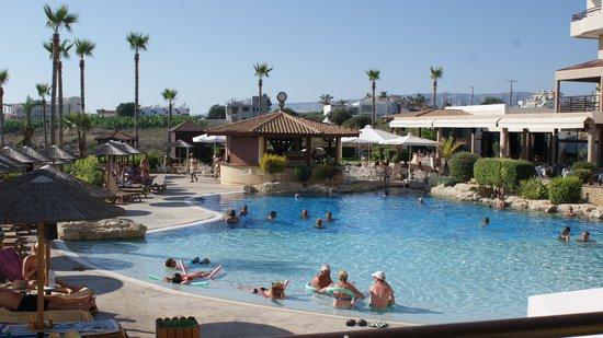 Atlantica Golden Beach Hotel : Balcony view front