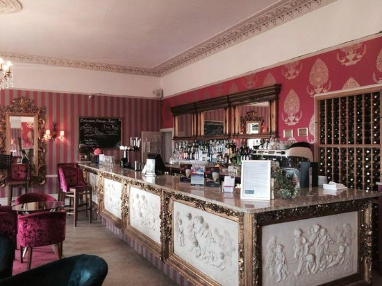 The Cottonwood Boutique Hotel: The beautiful bar