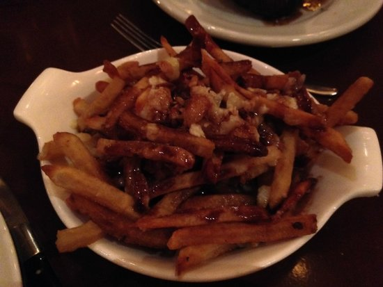 Le Cellier Steakhouse: Poutine Fries - amazing