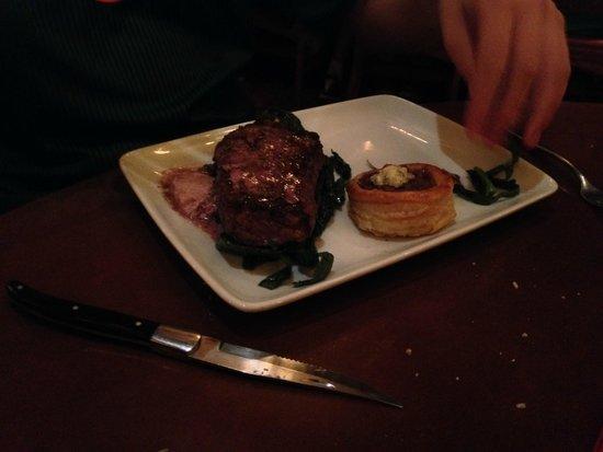Le Cellier Steakhouse: Strip Steak