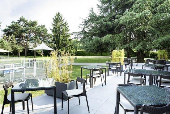 Novotel Pau Pyrénées : terrasse du restaurant