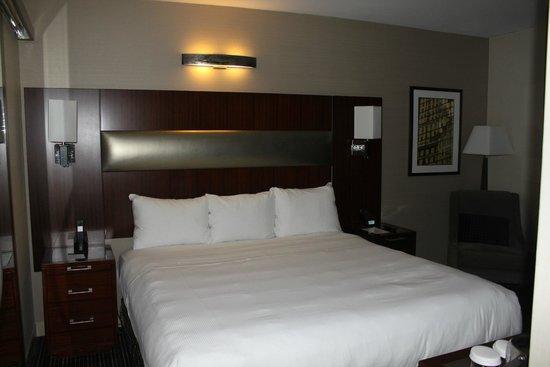 DoubleTree by Hilton Hotel New York City - Financial District: Büyük ve rahat bir yatak,Farklı Yastık Seçenekleri