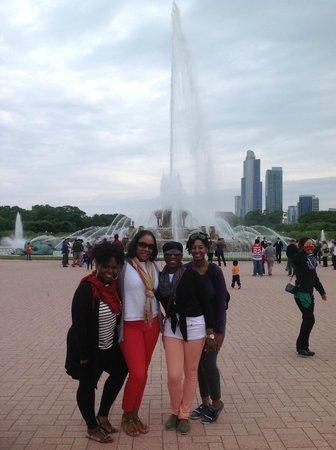 Buckingham Fountain: :-)