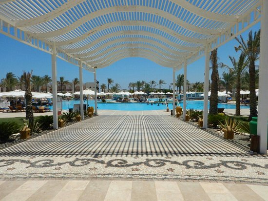 Hilton Marsa Alam Nubian Resort: Poolblick