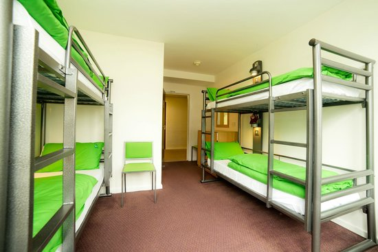 YHA Conwy: 4 bedded room.