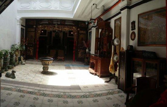 Straits Chinese Jewelry Museum Malacca: Court Yard
