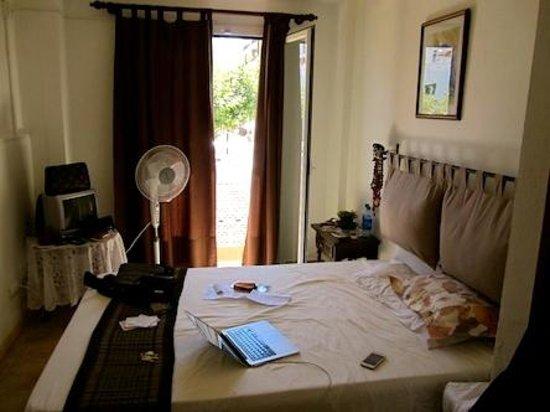 Hostal Yebisah : Vista de la habitación