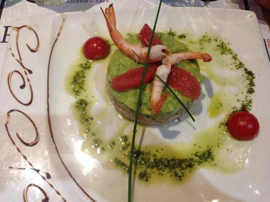 L'Edito: Salmon tartare and avocado